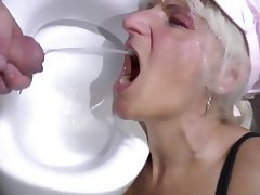 Mature MILF Old and Young Granny Pissing