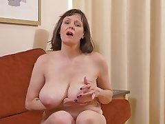 Amateur Mature MILF Granny Big Tits